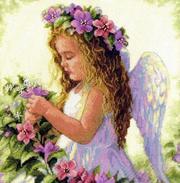 Девочка-ангелочек с цветами