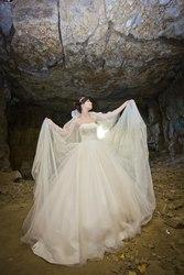 продам очень красивое свадебнон платье