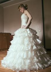 Свадебное платье (аксессуары к нему в подарок)