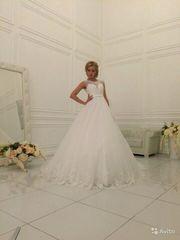 Новые свадебные платья,  5 штук,  размеры от 44 до 48