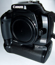 Canon EOS 400D / Rebel XTi Digital Camera with 18-55mm of Lens